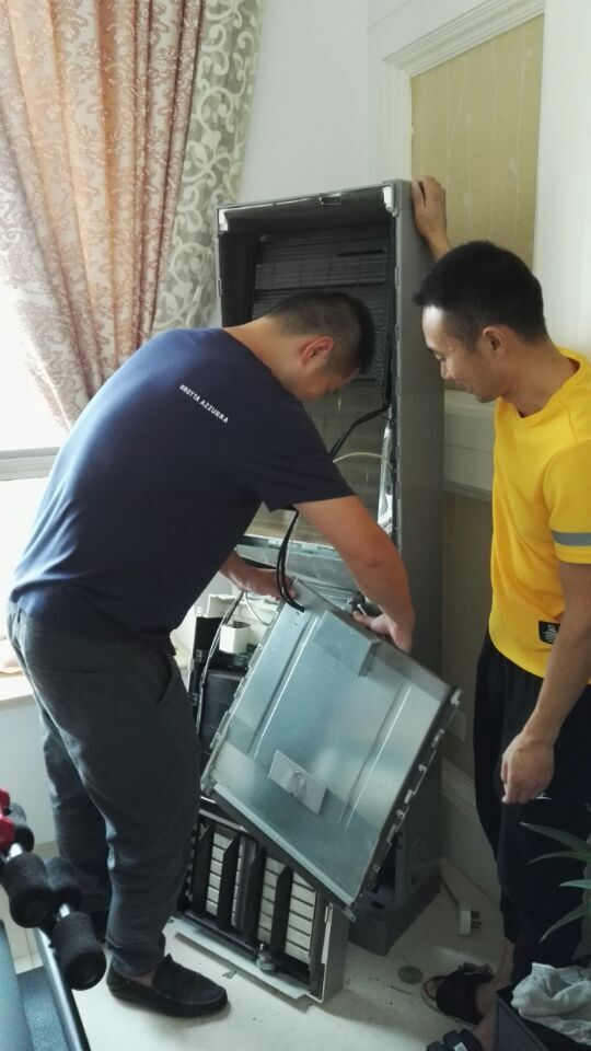 热力祝贺南通小黄人保洁公司李老板与张老板来洁酷网家电清洗家政保洁培训学习!
